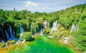 BIH-road-trip-Mostar-Jablanica-Pocitelj-Kravice-3-300x185